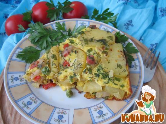 Рецепт Овощной омлет с картофелем, горошком и колбасой.