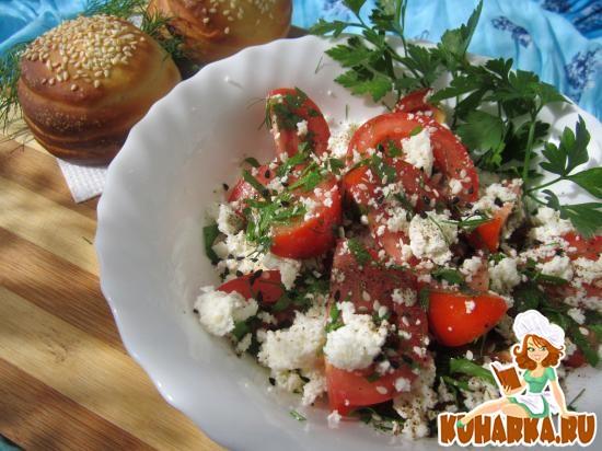 Рецепт Салат из помидоров и творога.