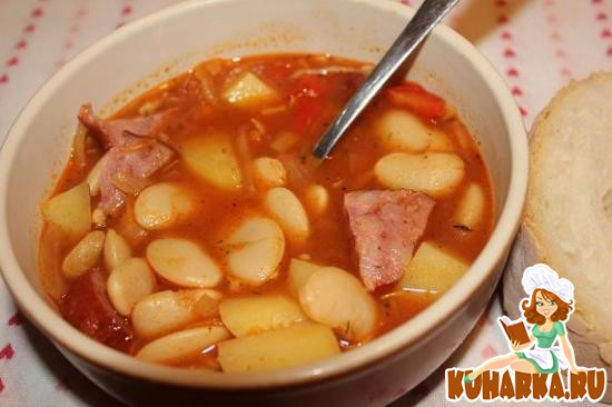 Рецепт Фасолевый суп с беконом и копченой колбасой