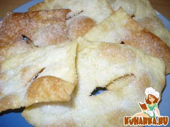 Рецепт булочек из бездрожжевого слоеного теста с фото пошагово в