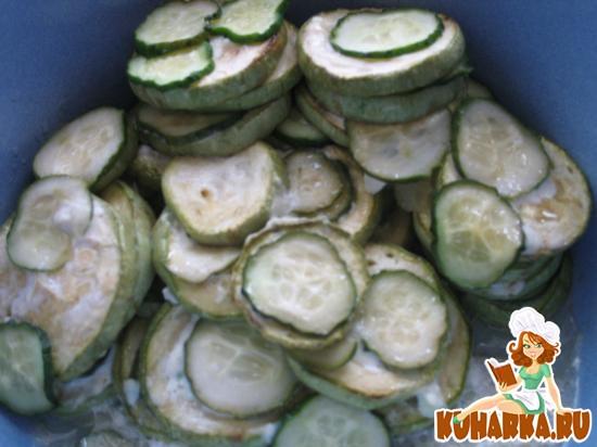 Рецепт Жареные кабачки с огурцом
