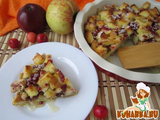 Рецепт Хлебная запеканка с яблоками и творогом.