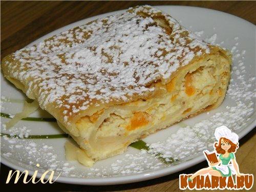 Рецепт Творожный штрудель с абрикосами (Topfen-Marillen-Strudel)