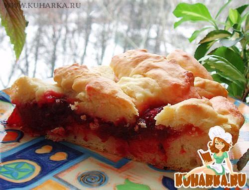 Рецепт Пирог с сырой свеклой и клюквой