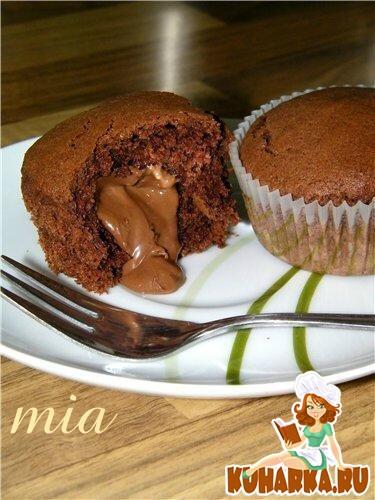 Рецепт Тёплые маффины с шоколадной начинкой