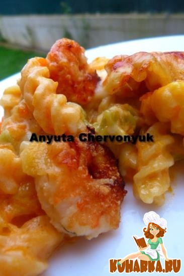Рецепт Запечёные макароны с тыквой и креветками с белым тыквенным соусом.