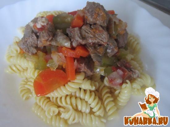 Рецепт Томленая говядина с овощами