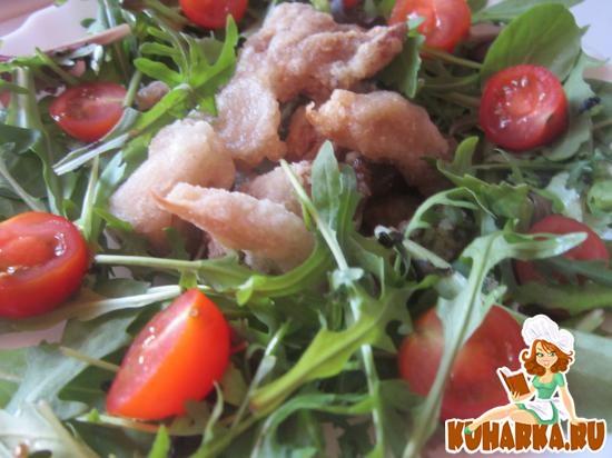 Рецепт Салат с вешенками и помидорами
