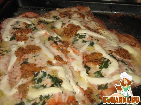 Рецепт Кета (распластанная тушка), запеченная со сметаной и горчицей