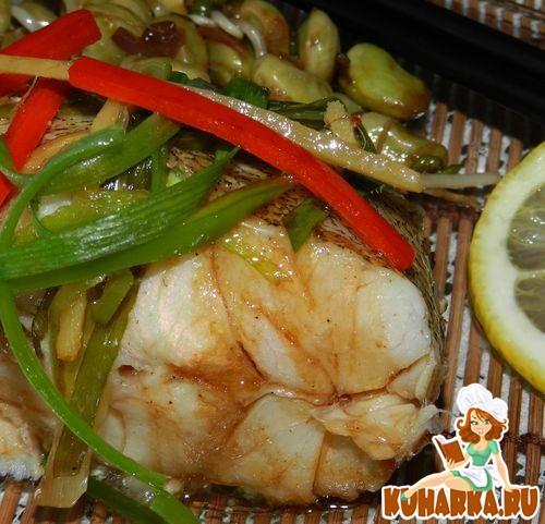 Рецепт Групер в китайском стиле с горячим бобовым салатом