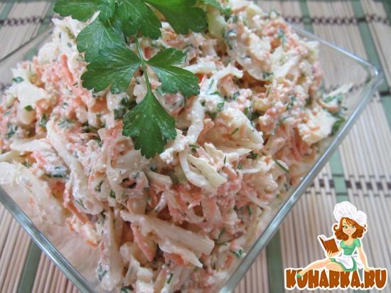 Рецепт Салат из капусты, творога и моркови.