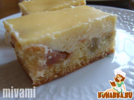 Рецепт Ревневый пирог с заливкой из крем фреша- Rhabarberschnitten mit Creme-fraiche-Guss