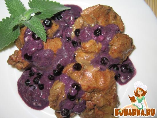 Рецепт Куриная печень с черничным соусом.