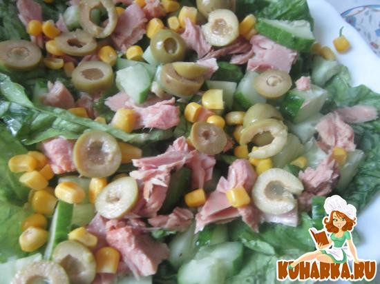 Рецепт Салат с тунцом и кукурузой