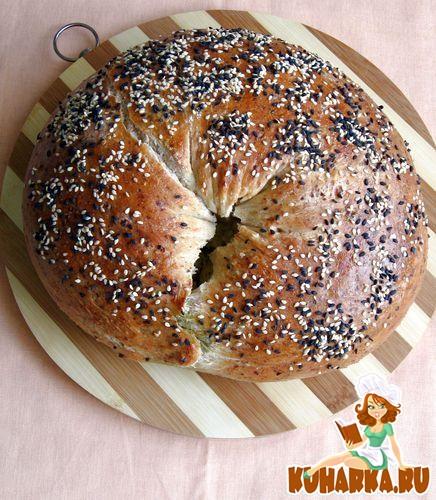 Рецепт Хлеб с беконом, сыром и соусом песто