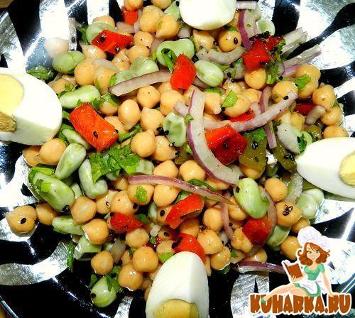 Рецепт Салат из турецкого гороха и бобов с имбирем и болгарским перцем