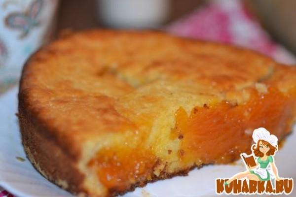 Пирог с абрикосовым вареньем на кефире