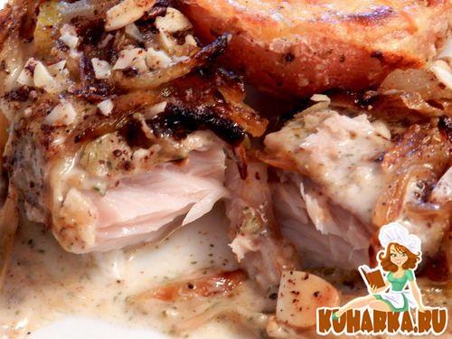 Рецепт Рыба, запеченная под соусом тхина.