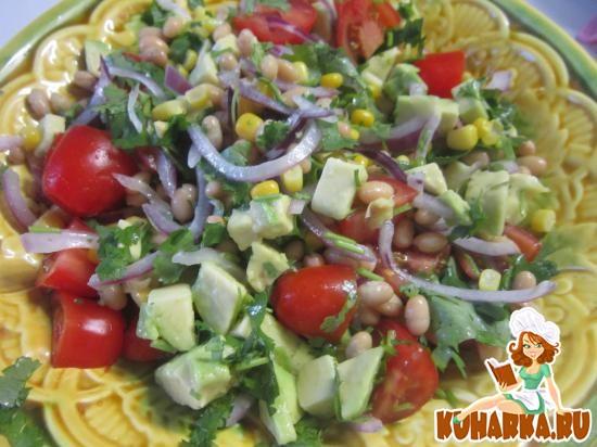 Рецепт Салат с авокадо, кукурузой и фасолью