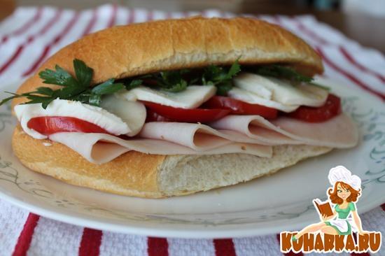 Рецепт Сэндвич с помидорами по-итальянски с моцареллой и индейкой