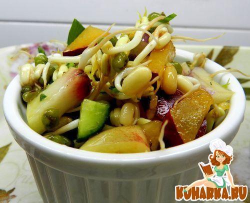 Рецепт Кисло-сладкий салат с проросшей фасолью маш