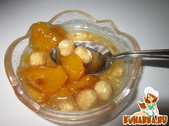 Рецепт Варенье из персиков с орешками и медом