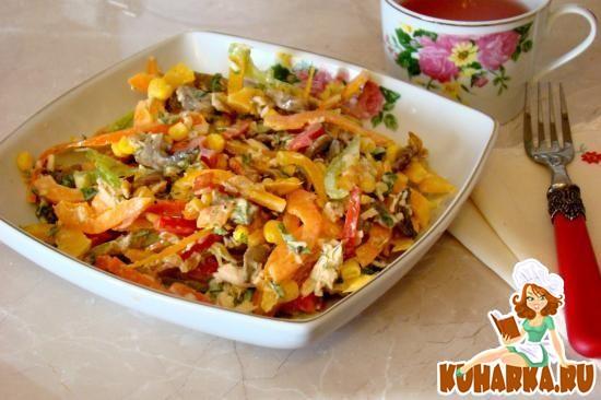 Рецепт Салат из цветных перцев с грибами