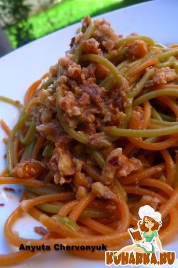 Рецепт Спагетти с молодым чесноком, орехами и анчоусами.