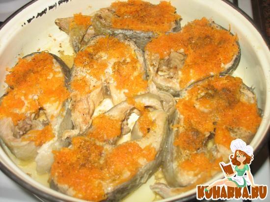Рецепт Рыба, запеченная под морковью и сыром