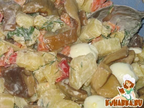 Рецепт Салат с маринованными боровиками и перепелиными яйцами
