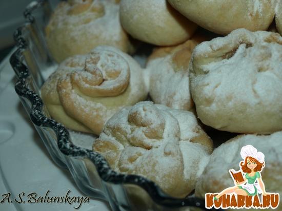 Рецепт Нежные булочки на сметанном тесте с ароматными яблочками