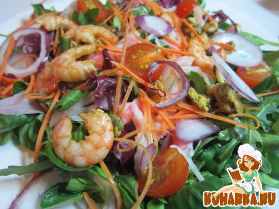 Рецепт Салат с креветками, мидиями и крабовым мясом