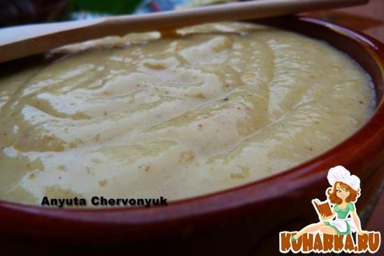 Рецепт Крем-суп из сельдерея, лука и яблока.