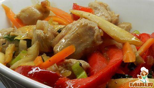 Рецепт Бедро индейки с овощами в брусничном соусе