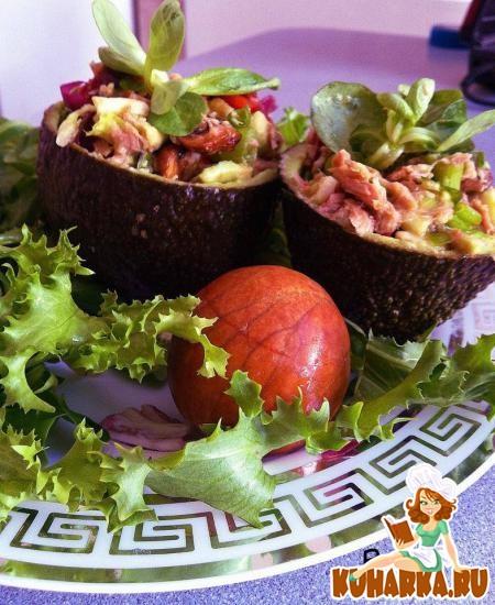 """Рецепт Салат """"Авокадо с тунцом"""""""
