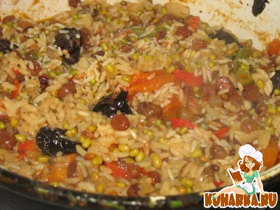 Рецепт Плов вегетарианский с сухофруктами и замороженной овощной смесью