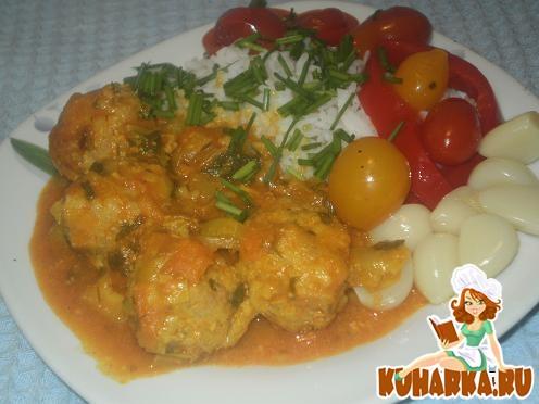 Рецепт Тефтели с рисом в овощном соусе