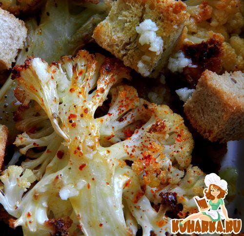 Рецепт Цветная капуста, запеченная в духовке, с сухариками и лимонным соусом