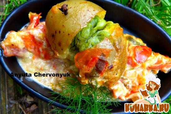 Рецепт Картофель, начинённый овощами.