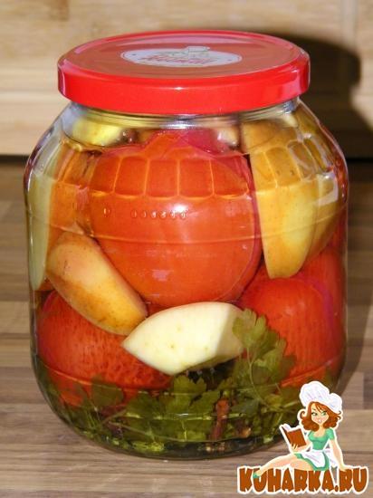 Рецепт Консервированные помидоры с яблоком