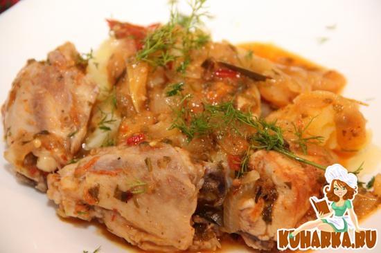 Рецепт Цыпленок тушенный с яблоками и томатами