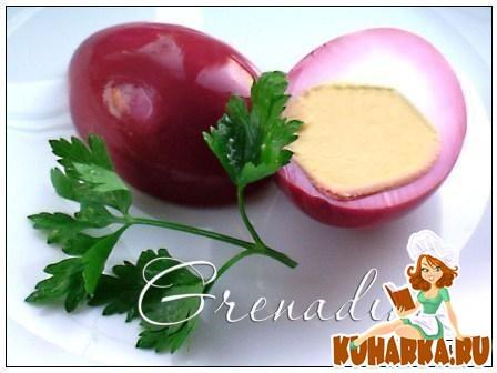 Рецепт Яйца, маринованные со свеклой и пряностями