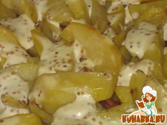 Рецепт Картофель, запеченный с беконом под горчичным соусом