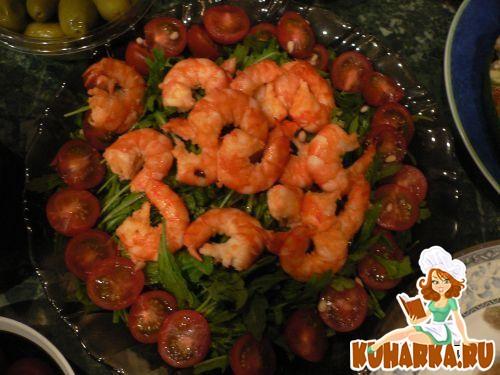 Рецепт Салат с рукколой и королевскими креветками