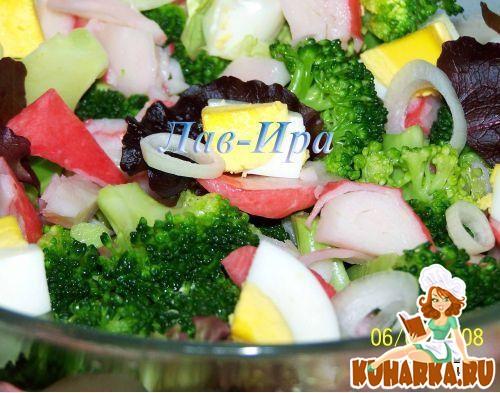 Рецепт Салат с брокколи,крабовыми палочками