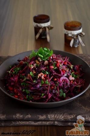 Рецепт Салат из краснокочанной капусты с карамелизированными орехами