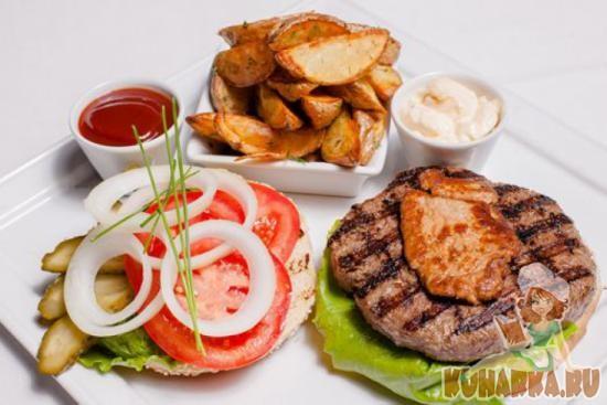 Рецепт Бургер с деревенским картофелем и соусом «Ред Айленд»