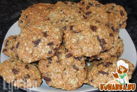Рецепт Печенье из арахисовой пасты с овсянкой и шоколадом