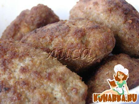 Рецепт Котлетки с начинкой из колбасы