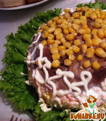 Салат сухарики ветчина кукуруза